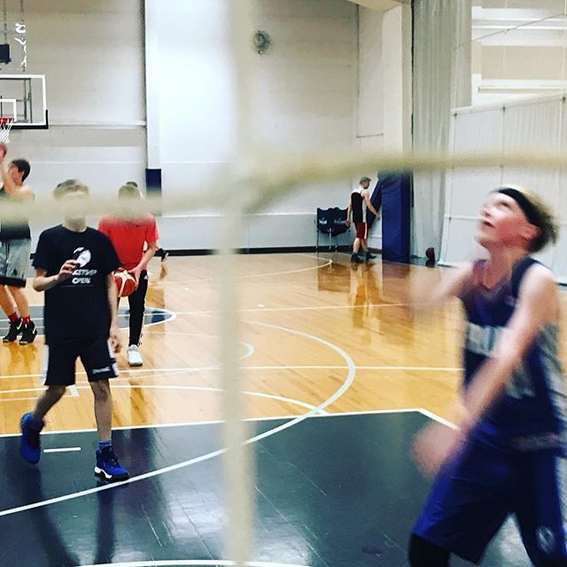 Lets koripallo #rakkaudestalajiin #koripallo #hnmky #yokoris #yökoris #basketball #youth #nuoriso #mph #malminpalloiluhalli