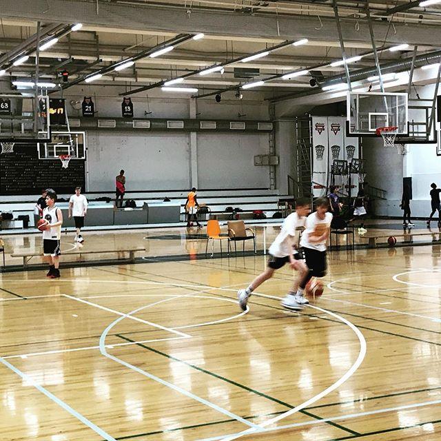 #mph valmiina vapun geimeihin! Hauskaa vappua jengi, ottakaa iisiä!! #vappu #vappu2018 #mph #malminpalloiluhalli #basketball #koripallo