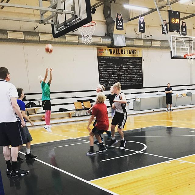 3 pistettä! #hnmky #hnmkykoripallo #koripallo #basketball #mph #malmi #malminpalloiluhalli