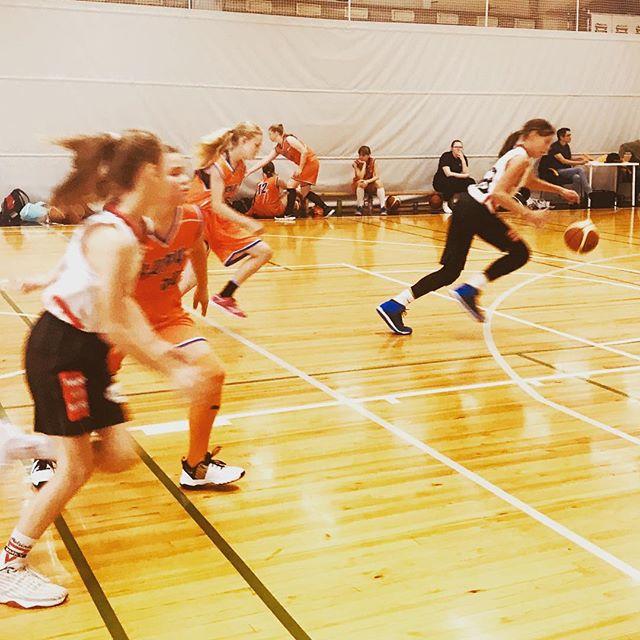 Sunnuntain pelit käynnissä #malminpalloiluhalli lla. #hnmky #hnmkykoripallo #mph #koripallo #malmi #basketball #sunmuntai